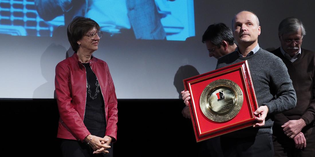 Premio Mario Roat al MIGLIOR SPETTACOLO - Tua moglie non lo farebbe